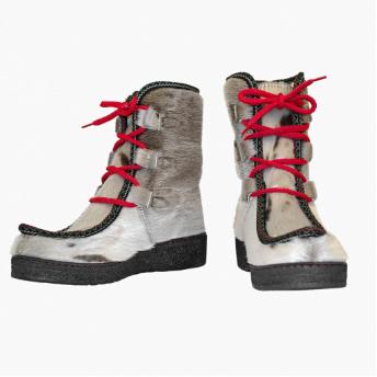 Støvler i grønlandsk natur sælskind