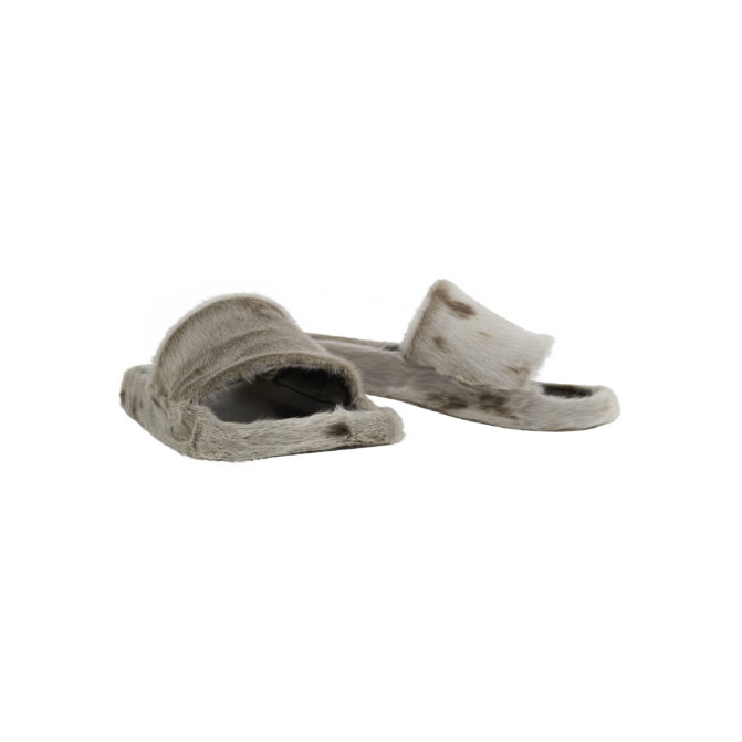 Sandaler i sælskind til damer.
